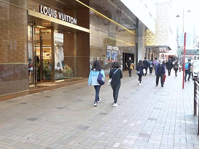 林鄭月娥認為,措施可以刺激消費,為本地經濟注入一定的動力。(港台圖片)