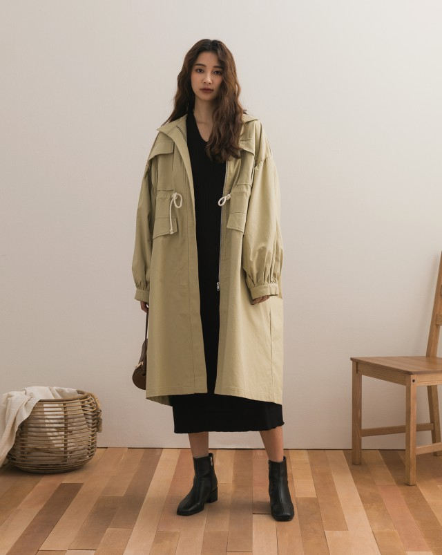 棉紗親膚質料/連帽寬袖休閒設計/無口袋