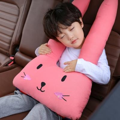 安全卡扣可固定孩子坐姿 能支撐頭部防止落枕 全方位舒適體驗