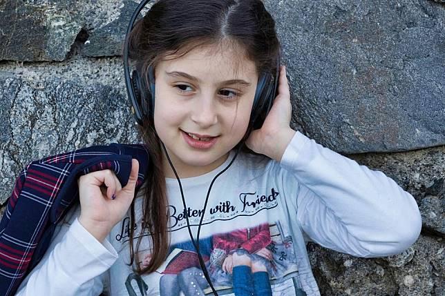 Salah satu manfaat mendengarkan musik bisa membuat lebih fokus