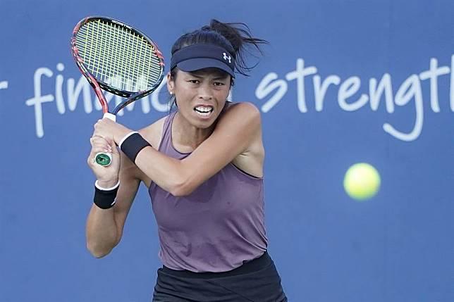 謝淑薇在布里斯本女網賽單打第一輪直落二飲恨,只待女雙賽事討回顏面。