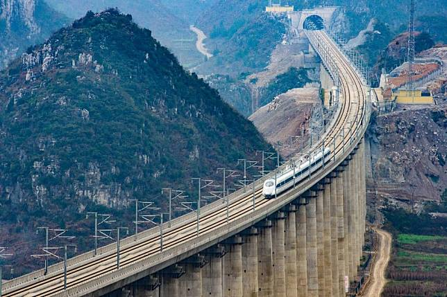 China doubles value of infrastructure project approvals to stave off economic slowdown amid trade war