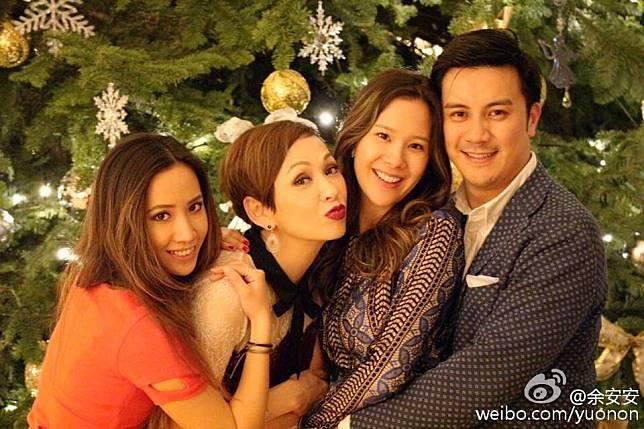 長女李文琪(右二)16年已結婚,早已榮升外母的安安姐對女婿Jeremy一樣愛錫。