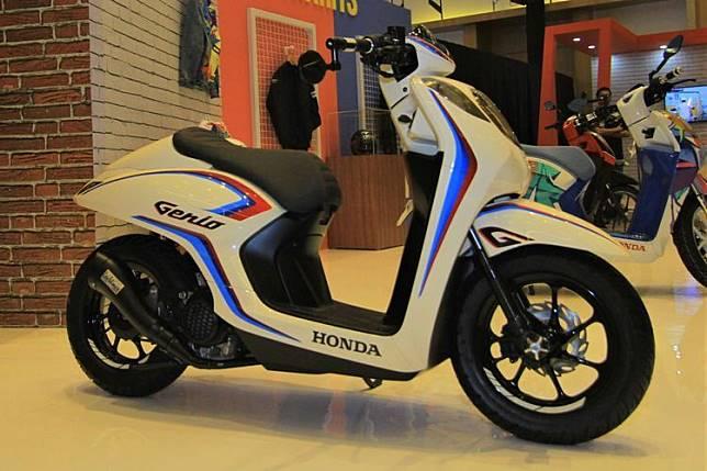 Modifikasi Honda Genio bergaya cafe racer