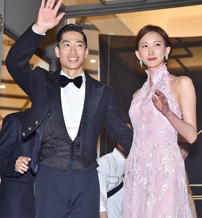 林志玲與AKIRA兩人喜宴結束後現身致意。