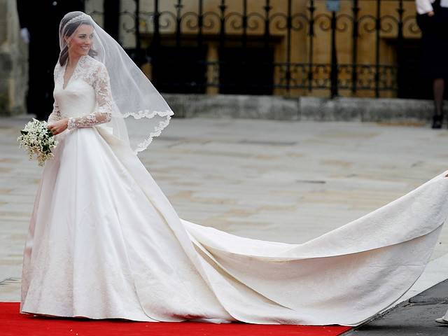 Gaun Pengantin Pippa Vs Kate Middleton