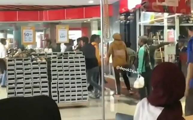 Viral Video Tawuran antar Pelajar di Depok, Baku Hantam Sampai Masuk Mall
