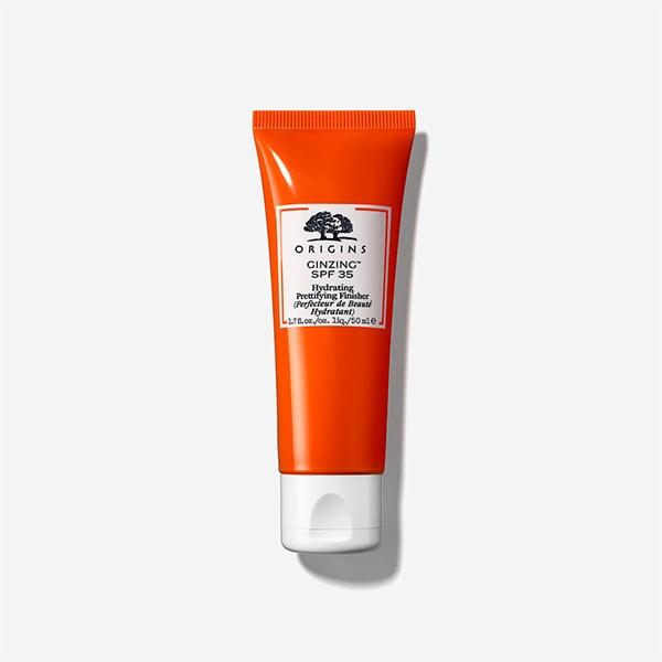 添加咖啡因及人蔘提振肌膚活力亮采,防曬、潤色、保濕一次完成。早晨保養後,取適量均勻塗抹於臉部肌膚,打造清新水潤裸妝感。   元氣十足亮膚素顏霜SPF 35/PA+++