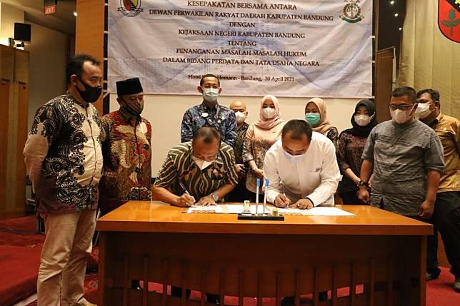 DPRD dan Kejari Kabupaten Bandung Jalin Kerja Sama Penanganan Masalah Hukum