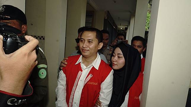 Bos First Travel: Tuntutan Jaksa Ketinggian