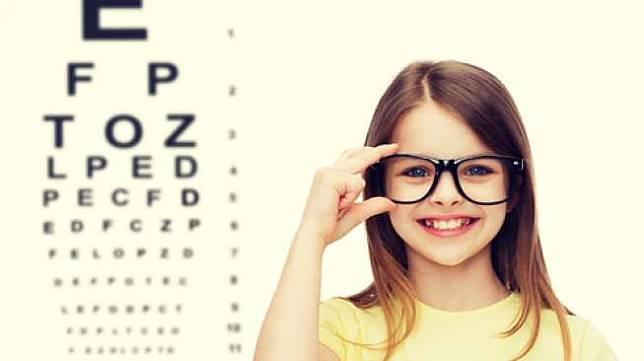 Ilustrasi anak memakai kacamata baca. (Shutterstock)