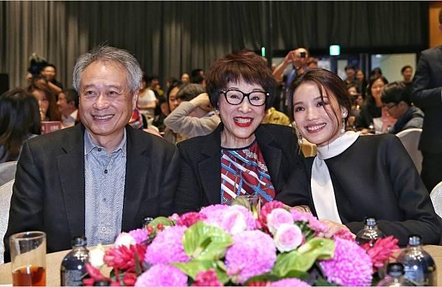 李安(左起)、徐楓、舒淇在金馬創投頒獎典禮上開心合影。記者鄭清元/攝影