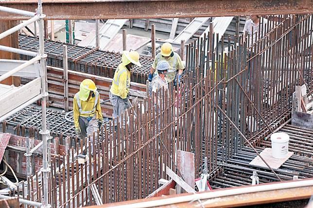 建造業失業率升至百分之五點七,創近六年來的高位。