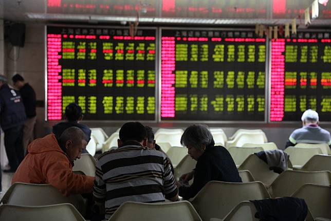 China and Hong Kong markets sink on fear of US dollar strength, Beijing scaling back stimulus