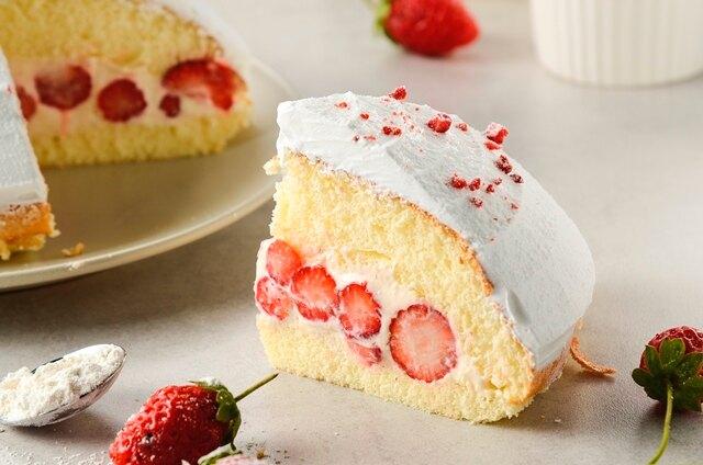 6吋草莓波士頓派~草莓波士頓6吋(約4~6食用)!!選嚴大湖新鮮草莓,每日產地直送內含20~25顆草莓加入選用天然馬達加斯加香草棒製成香草餡,搭配綿密蛋糕讓人滿口滿足~