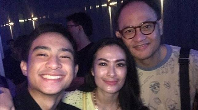 Iis Dahlia dan keluarga [Instagram]