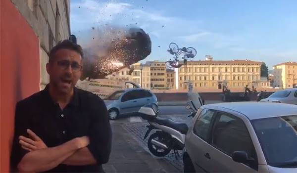 ไรอัน เรย์โนลด์ส พูดถึง ความนิ่ง ขณะเกิดระเบิดและรถชนกันสนั่นกองถ่ายหนัง 6 Underground