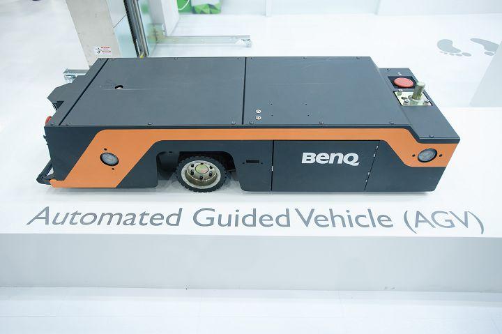 佳世達 AGV/AMR 系列以及智慧省力叉車產品,在自動化物流系統可協助客戶提昇搬運效率與安全性。