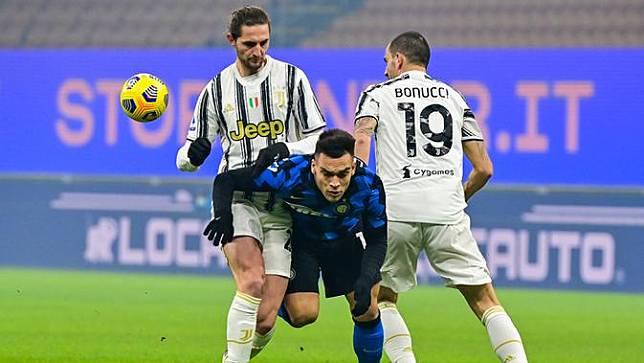 FOTO: Taklukkan Juventus 2-0, Inter Milan Kokoh di Posisi 2