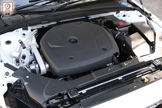 搭載2.0L直四引擎,在渦輪增壓加持下,可輸出300Nm扭力。(盧展程攝)