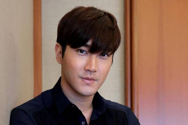 Choi Siwon of the Korean boyband Super Junior will hold his first solo fan meeting in Indonesia next month.