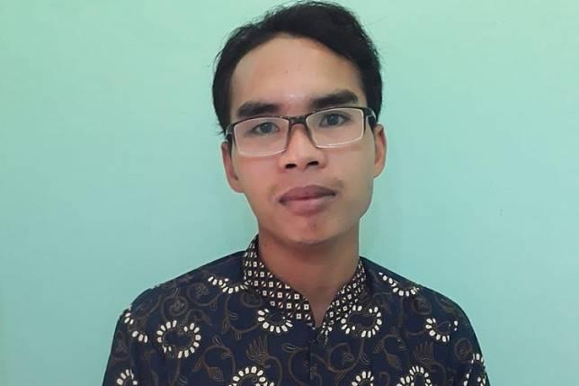 asri guru Agama di SDN 4 Desa Anggaraksa, Kecamatan Pringgabaya, Lombok Timur.(KOMPAS.COM/IDHAM KHALID)  Artikel ini telah tayang di Kompas.com dengan judul