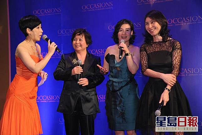 黎芷珊表示跟二房的表姊妹(左二起)何超蕸、何超瓊和何超鳳較熟。