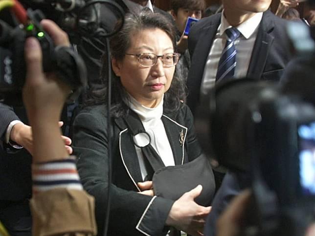 律政司司長鄭若驊。