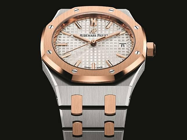 精鋼錶殼配18K玫瑰金錶圈Royal Oak Selfwinding自動上鏈腕錶  HK$169,000(互聯網)