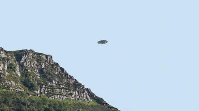 Irlandia Selidiki Penampakan UFO yang Dilaporkan Sejumlah Pilot
