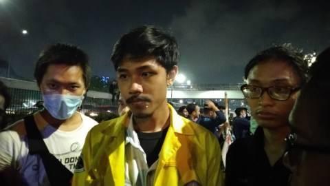 Hasil gambar untuk BEM UI Persilakan Massa untuk Bermalam di DPR Atau Pulang