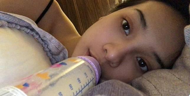 Selebgram Anya Geraldine mengaku masih minum susu dari botol bayi.