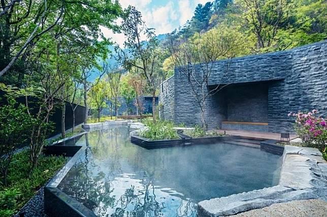 設有露天浴池令大家與大自然有更近距離接觸。(互聯網)
