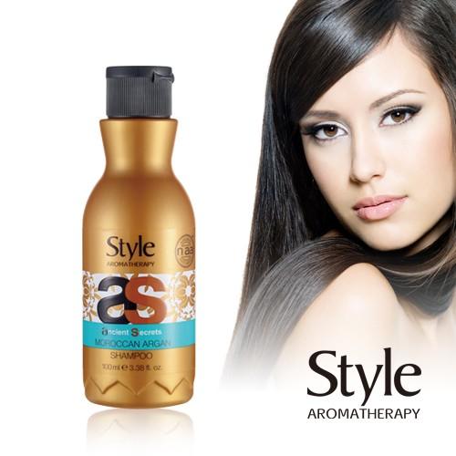 【商品組合】:御用潔髮精萃400ml 【產地】:以色列 【成分】: 摩洛哥堅果油 甜杏仁油 葡萄籽油 【使用方式】: 取適量在濕的頭髮上,用指腹按摩頭髮和頭皮至充分起泡,再用水洗淨。