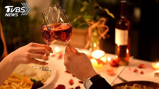 當男生開口說要帶妳吃飯,到底是請客還是單純帶妳去吃飯的地方?示意圖/TVBS