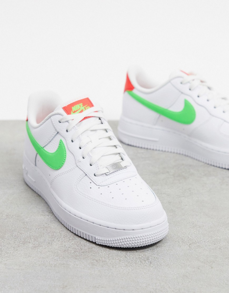Trainers by Nike This item is excluded from promo Low-profile design Lace-up fastening Padded tongue