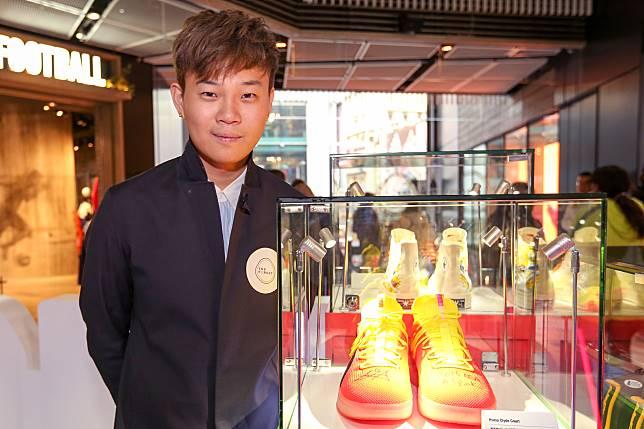 陳梓厚專門收集NBA球星的罕有落場版波鞋。這對Puma Clyde Court鞋面有Deandre Ayton的親筆簽名及寫上2018 NBA #1 pick的字樣。