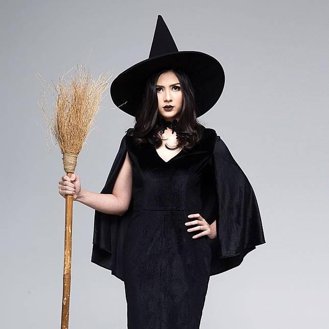 7 Gaya unik Jessica Mila, pernah dandan jadi Thor sampai penyihir |  Brilio.net | LINE TODAY
