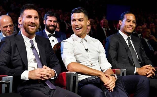 Ronaldo Soal Makan Malam Bersama Messi Kelakar atau Serius?