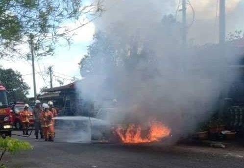 Terbakar Habis Tanpa Sisa Mobil Mahasiswa Ini Meledak Gara-gara Powerbank