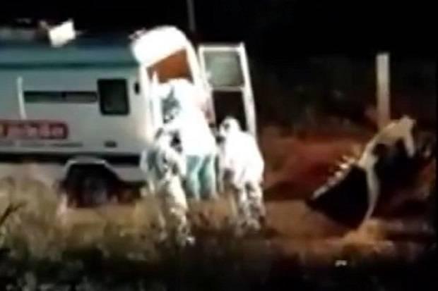 Viral, Mayat-mayat Korban Covid-19 Dibuang dengan Buldoser