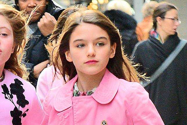 Makin Dewasa, Intip 5 Gaya Modis Putri Tom Cruise, Suri Cruise. Cocok Ditiru Remaja