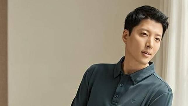 Lee Dong Gun (Foto via Soompi)