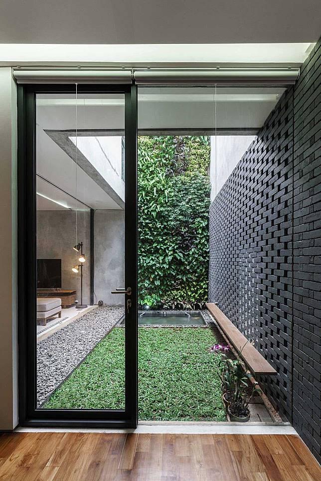 Ventilasi Rumah Minimalis 2 Lantai  permainan garis dan geometri cantik rumah minimalis ala