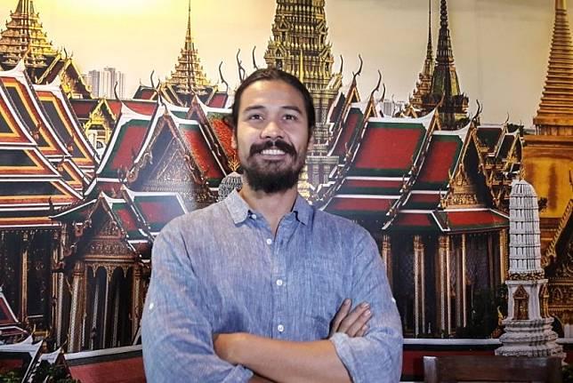 Chicco Jerikho menjadi lawan main Najwa Shihab di Sandiwara Sastra cerpen Berita dari Kebayoran.