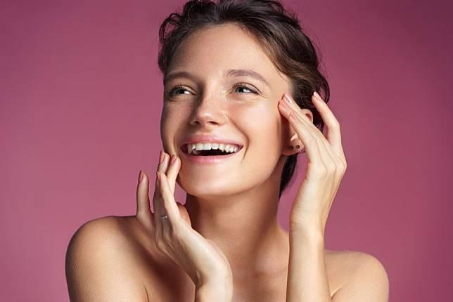 6 Kebiasaan Sepele yang Bisa Jadi Penyebab Bibir Hitam