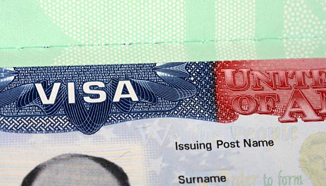 The US Immigration and Customs Enforcement (ICE) announced this week that foreign students whose entire courses have moved online because of the coronavirus pandemic must return to their home country.