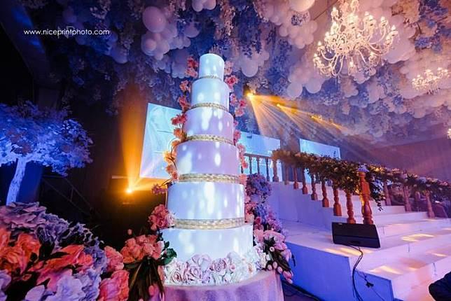 Kue Ulang Tahun Susun Enam