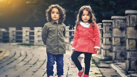 Mengajarkan Social Distance untuk Anak