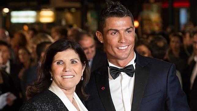 Sang Ibu Sakit Ronaldo Pulang Kampung Ke Portugal Bolalob Line Today